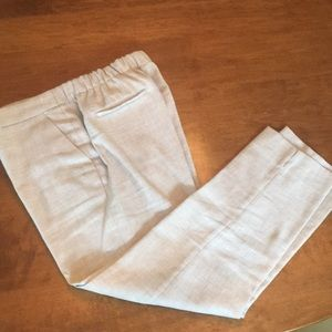 Linen cropped pants.